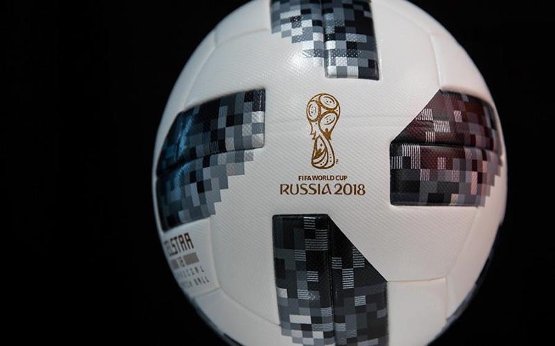 Russia 2018, il pallone dei Mondiali vola nello spazio