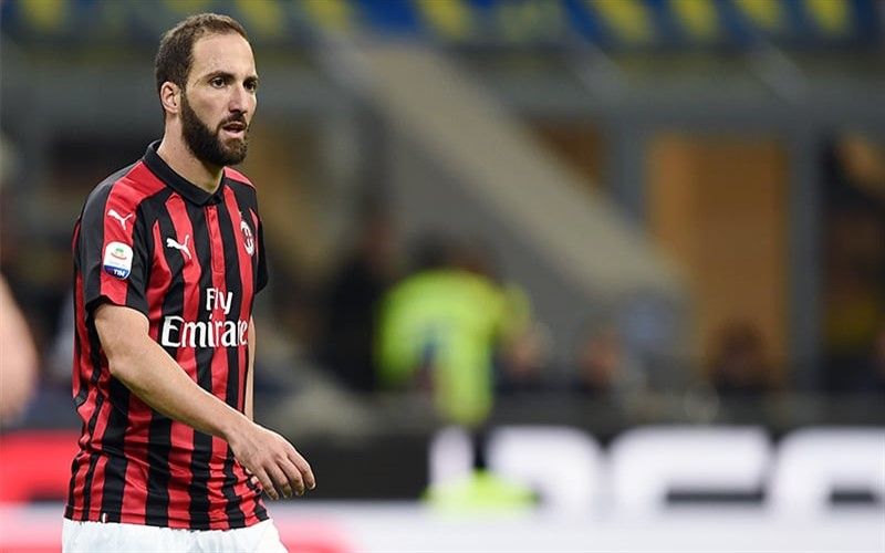 La stagione triste e solitaria di Gonzalo Higuain al Milan