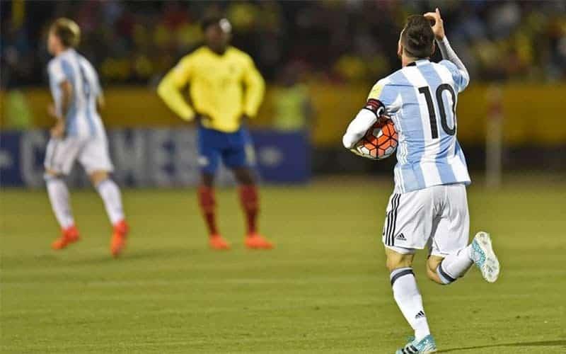 Dieci argentini fanno Leo Messi: il video celebrativo per la Pulce