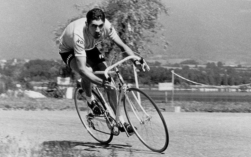 L'avversario di sempre Merckx sull'addio di Gimondi: «Distrutto, stavolta perdo io»
