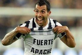 Tevez con la maglia della Juve